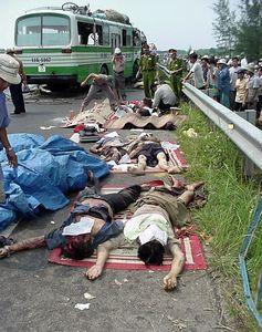 Tai nạn giao thông thảm khốc,ít nhất 3 người chết