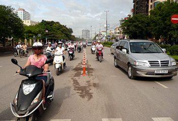 Cọc tiêu phân làn giảm thiểu những vấn nạn giao thông trên đường