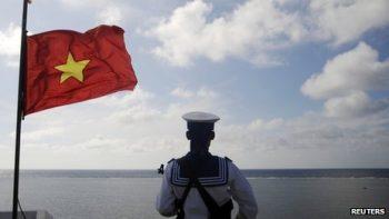 trung quốc tiếp tục khoan dầu tại Biển Đông Việt Nam