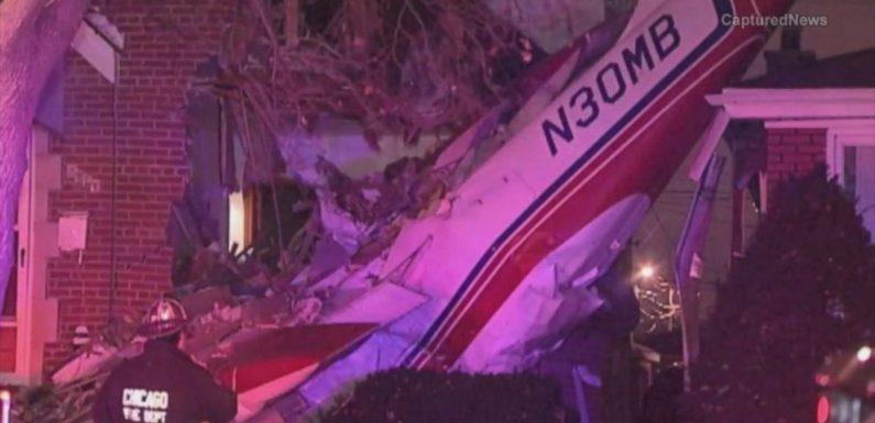 Một chiếc máy bay đã rơi vào căn nhà ở Chicago