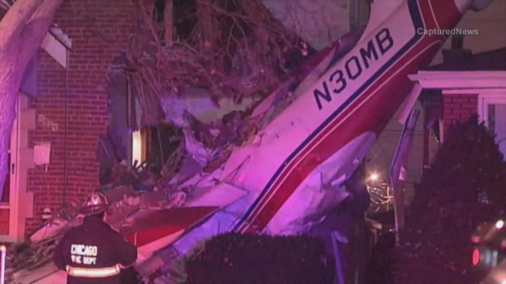 HT_Plane_crash_chicago1_ml_141118_16x9_992
