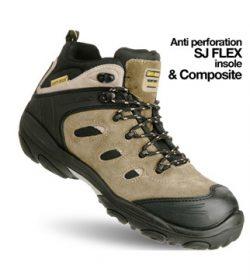Đôi chân làm nên sự vững bước trên con đường sự nghiệp nhờ có đôi giày bảo hộ